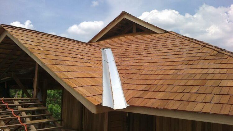 Atap Rumah Sirap Kayu Model rumah jaman dulu