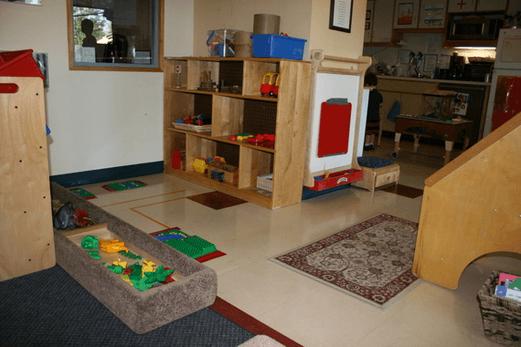 Teras Rumah Untuk Anak-Anak