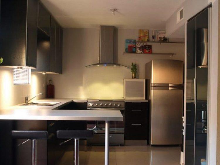 modern kitchen set dengan mini bar