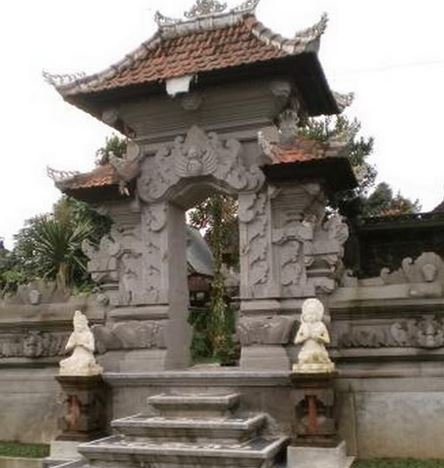 Rumah adat Bali angkul angkul