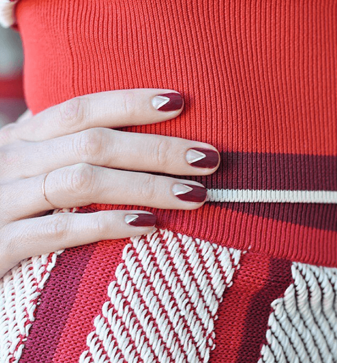 Nail art design Sharp Scarlet