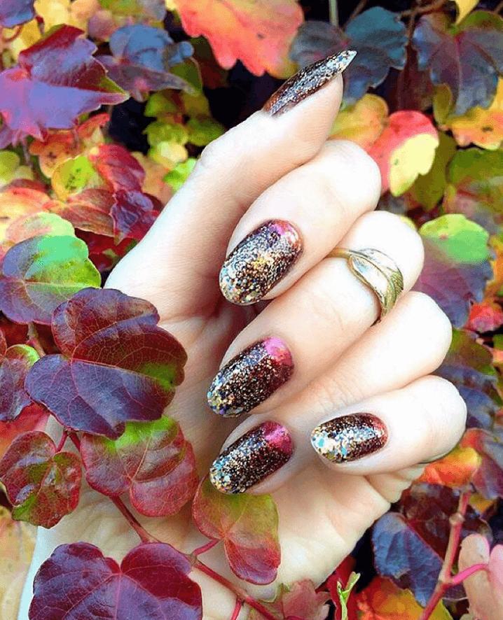 Nails art design Shimmering Leaves